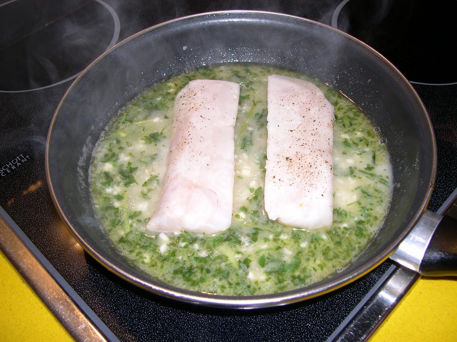 Las recetas de puri gonz lez p rez lomos de merluza en for Lomos de merluza en salsa verde