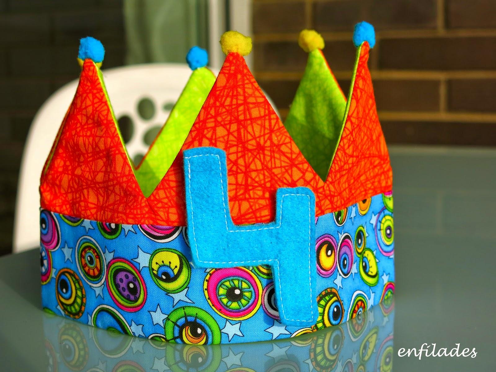 Corona d'aniversari - fet a mà enfilades.cat