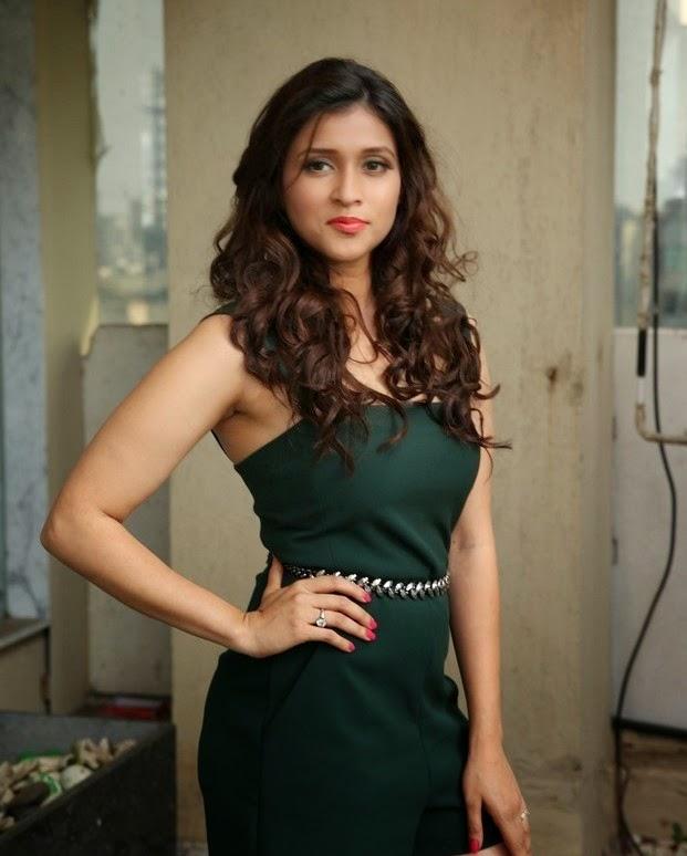 Mannara New Telugu Actress Gallery