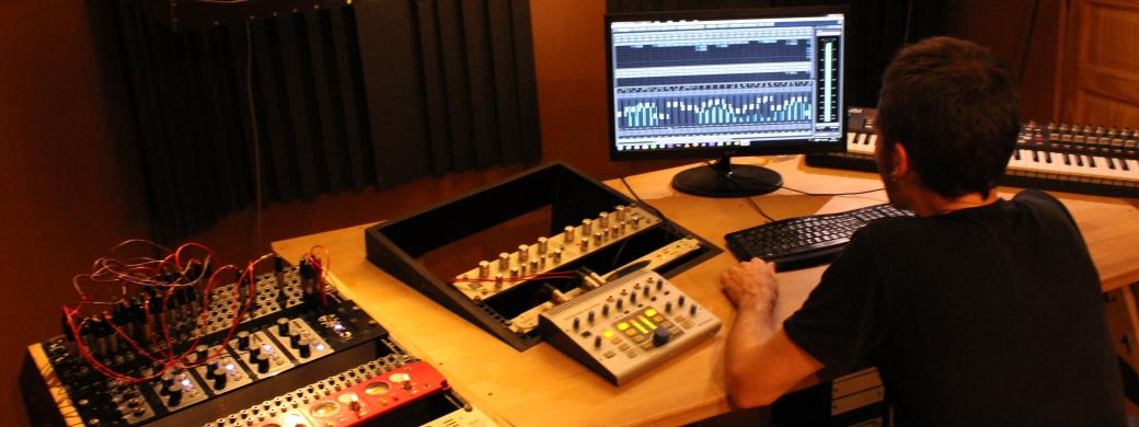 Studio d 39 enregistrement mixage et formation marseille - Table de mixage studio d enregistrement ...