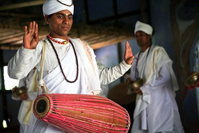 Sattriya dancer, Majuli, Assam - Johan Gerrits photography