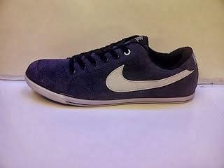Sepatu Nike Chapri navy