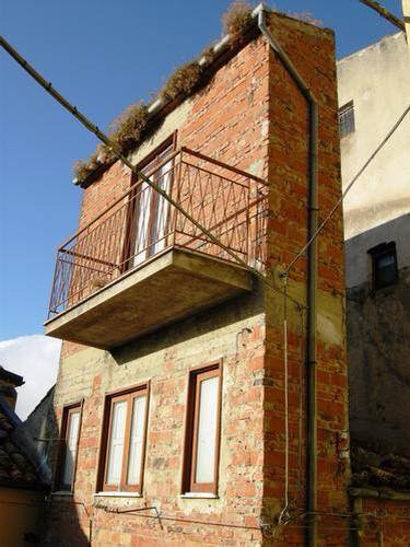 Little House in the World: Sicily - Italy