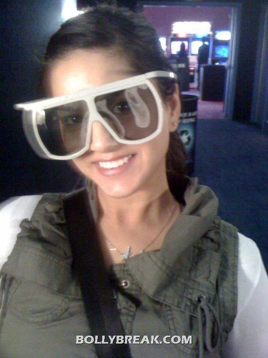 Sunny Leone big glasses - (9) - Sunny Leone in Real Life