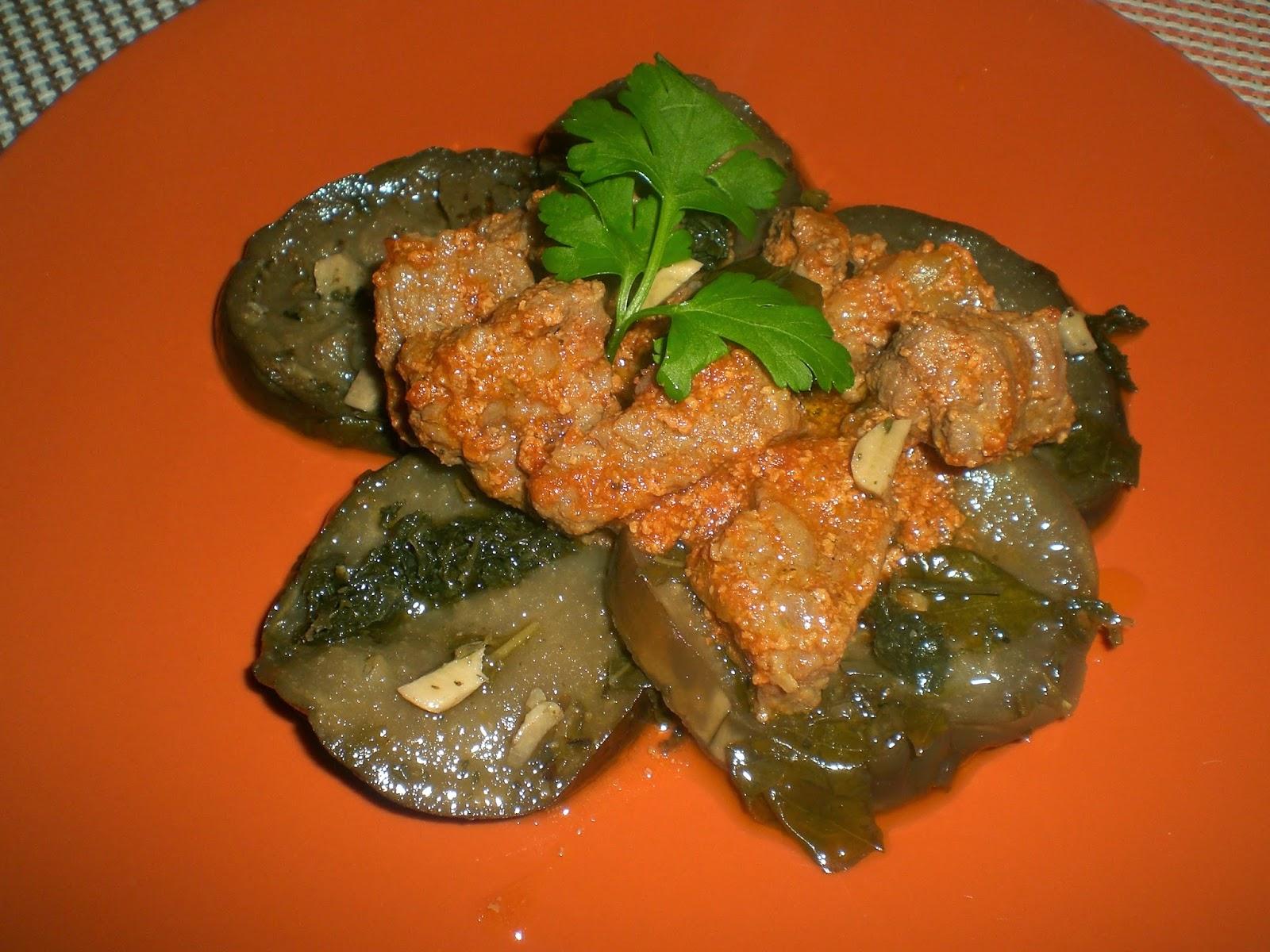 bocconcini di sorana con melanzane all'aglio e prezzemolo e gherigli di noce