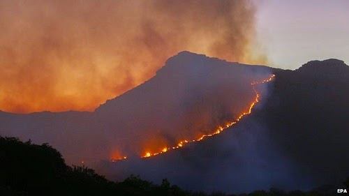 cape_town_south_africa_wildfire_2015
