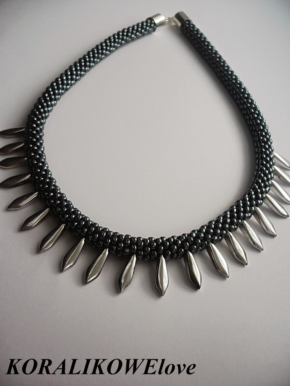 sznur szydełkowo koralikowy,naszyjnik z koralików,koraliki,dagger beads