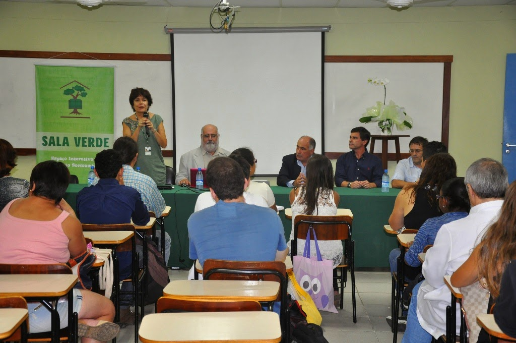 """A professora Ana Maria Gomes de Almeida reforçou que """"a nossa proposta é que este seja um centro vivo. O mais importante não é o espaço físico, mas a união para o desenvolvimento de questões relativas à educação ambiental"""""""