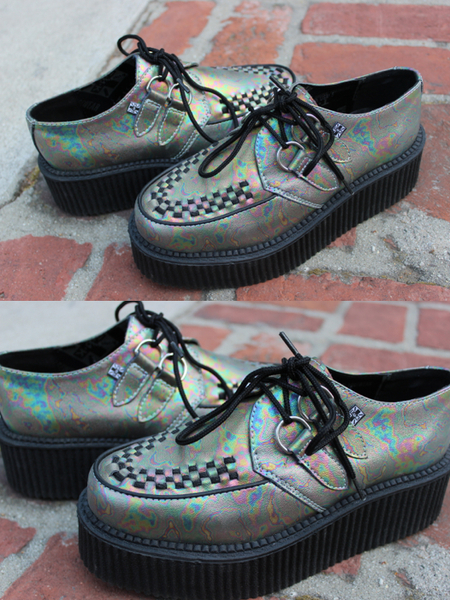 pizza-kei cute pizza kei cute oil slick rainbow bubble fashion look alternative fashion alt-fashion t.u.k. tuk gothic goth punk mondo creepers urban outfitters platform shoes
