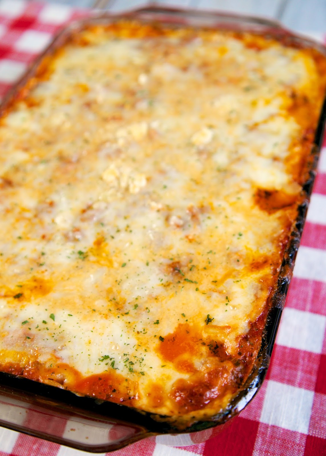 The Best Baked Spaghetti - delicious spaghetti casserole! Hamburger ...
