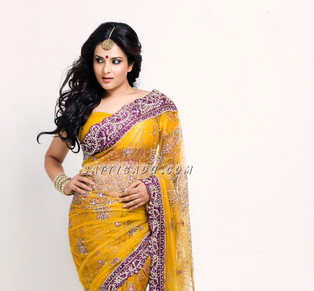 hot saree Ramya