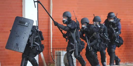 Parlemen Kritik Cara Polisi Gerebek Terduga Teroris