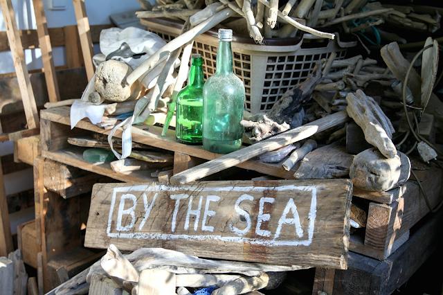 by the sea,sandra korn,hossegor,visite privée,view à la maison,déco,lifestyle,artiste,gypsea house,sea's wanderers,bois flottés,bougies,woll,upcycling,récup
