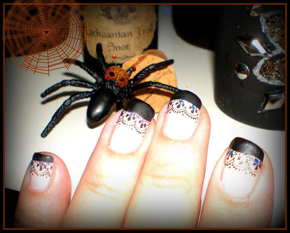 Gricell\'s Funky Nails: More Fun Halloween Nail Designs