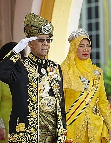 Yang Di Pertuan Agong dan Raja Permasuri Agong Keempat Belas.