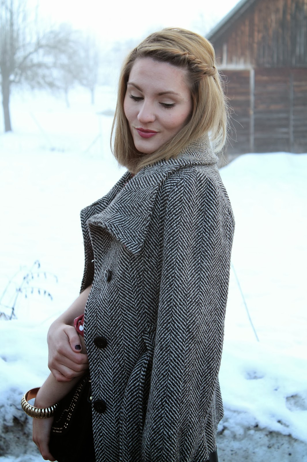 Fashionblogger Austria Österreich Kärnten Carinthia KLagenfurt Zalando Bag Crossover Tasche Hahnentritt Mantel Houndstooth Persunmall Hearts Shirt blouse Lederrock Leather Skirt Fashionbloger Styleblooger Winterstyle Winterlook Winteroutfit