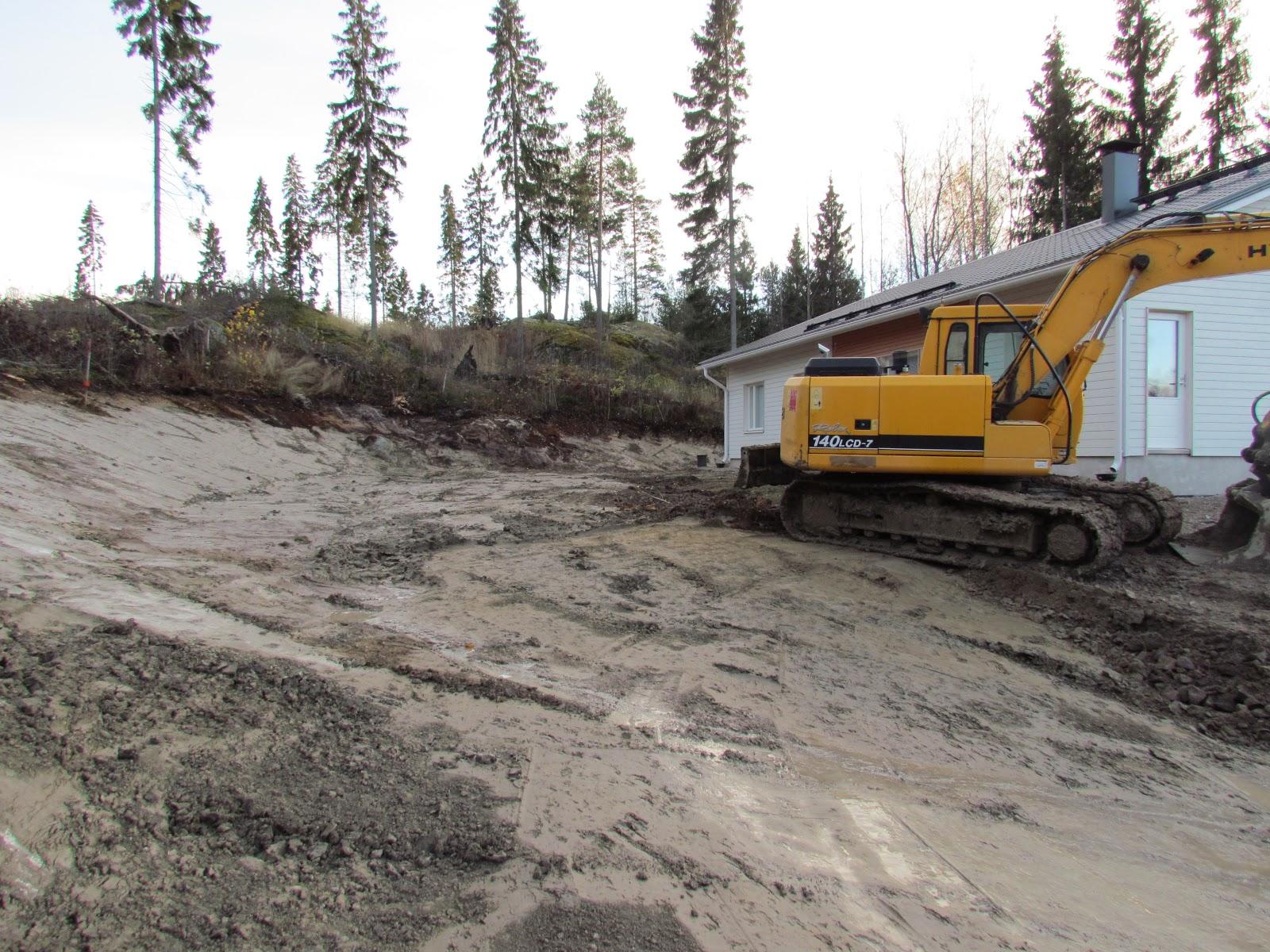 Omakotitalon rakentaminen Pihaprojekti Day 5 Viimeinen kuorma pihasta pois