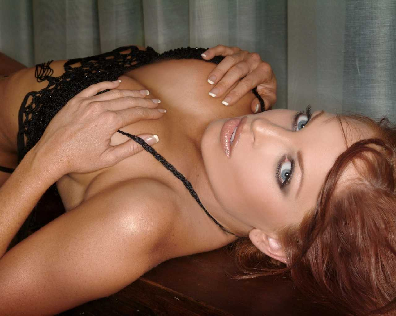 Christy free hemme sexy wallpaper