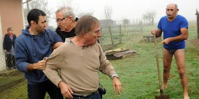 http://www.sudouest.fr/2015/11/09/altercation-lpo-riverains-dans-les-landes-une-provocation-selon-les-chasseurs-2180131-3452.php