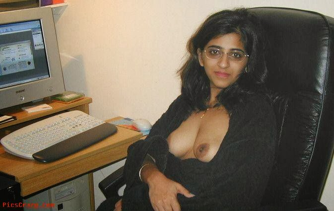 DESI INDIAN AUNTY NUDE PICS OF REMOVING BLOUSE | Boobs + Pussy ...