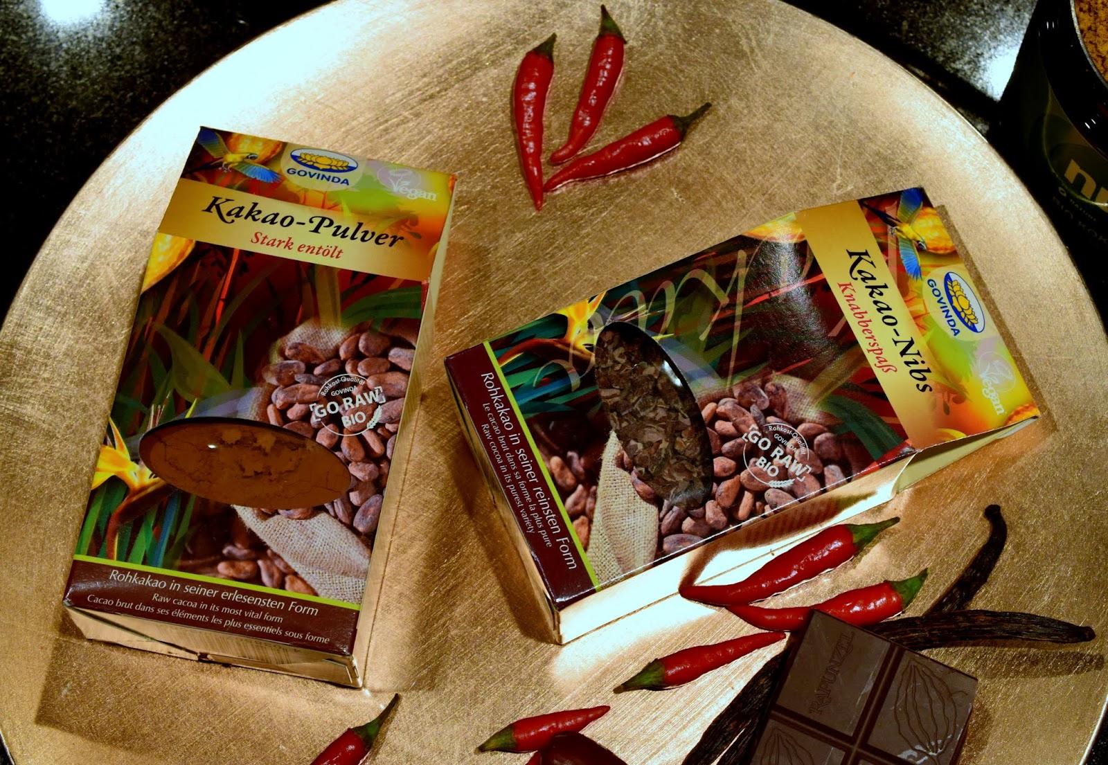 Kakao-Nibs und Rohes Kakaopulver