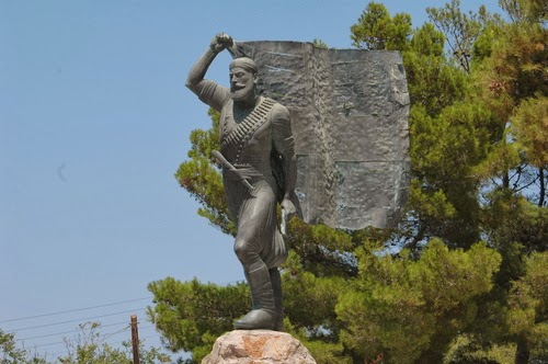 cretan rebel statue