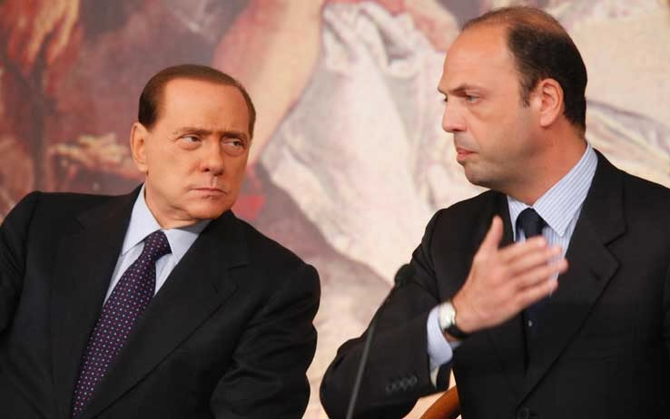 """ALFANO DA' L'ADDIO A BERLUSCONI - NASCE IL """"NUOVO CENTRODESTRA"""""""