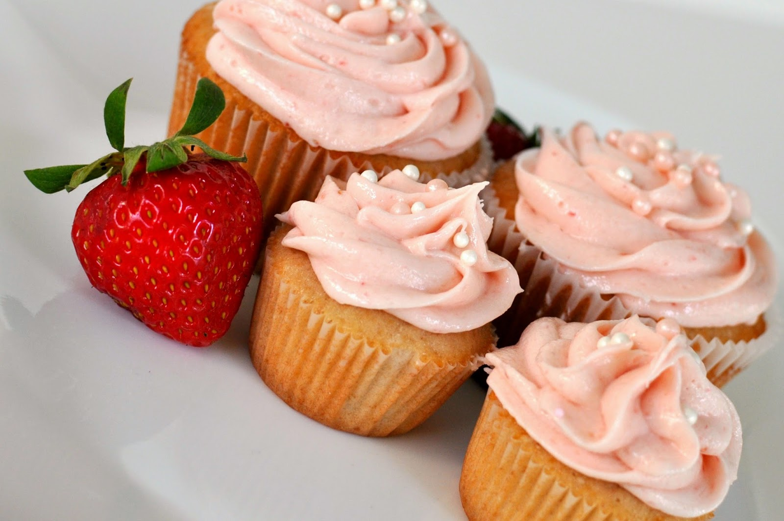 Scrumptious Strawberry Cupcakes from Sprinkles!