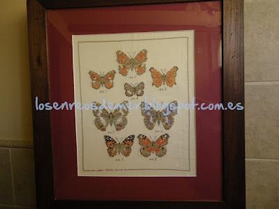 Cuadro de mariposas realizadas a punto de cruz
