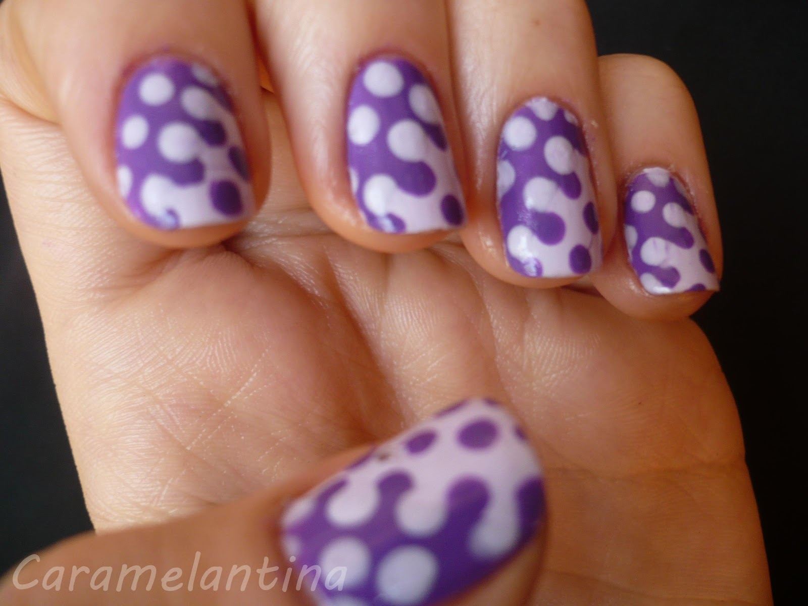 Interlocking polka dots, nail art, tutorial