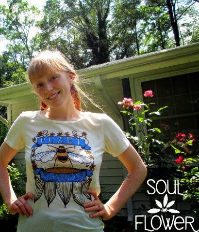 plant organic flowers tshirt - Plant Organic Flowers: Save the Bees