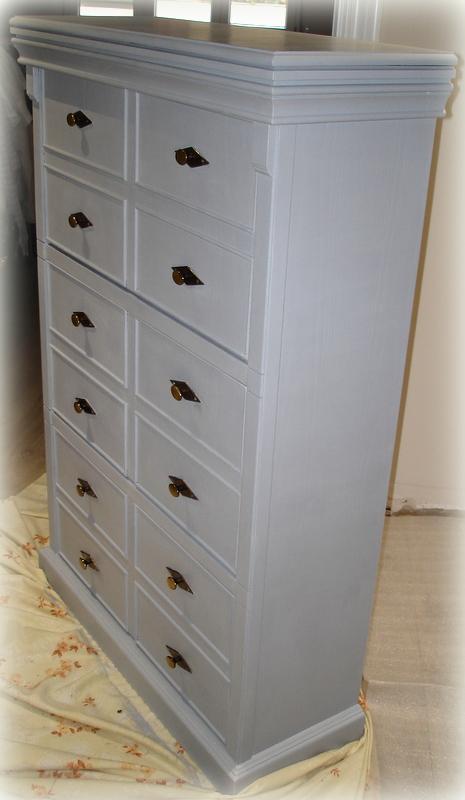 El desv n de los trastucos zapatero en gris for Pintura de tiza para muebles