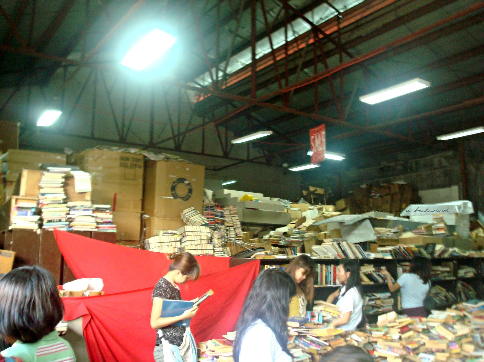 Books For Less: Warehouse Sale