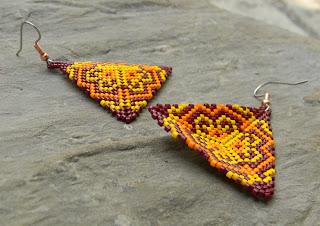 peyote triangle earrings seed bead jewelry blog photo