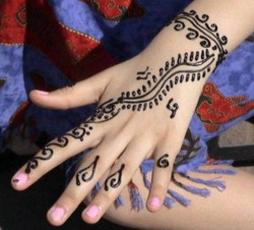 Mehndi Hands With Mobile : Uneedallinside mehendi designs for hands images free download