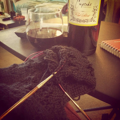 Knitting Wine She Knits in Pearls
