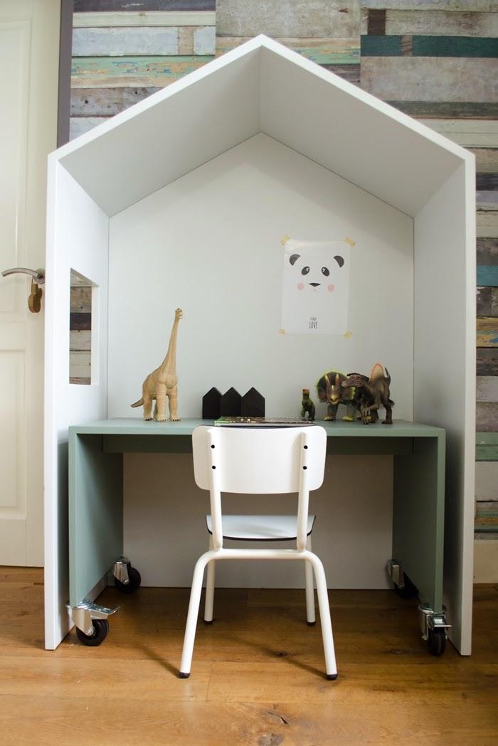 atelier rue verte le blog chambre d 39 enfants 10 un bureau d 39 enfant dans une cabane. Black Bedroom Furniture Sets. Home Design Ideas