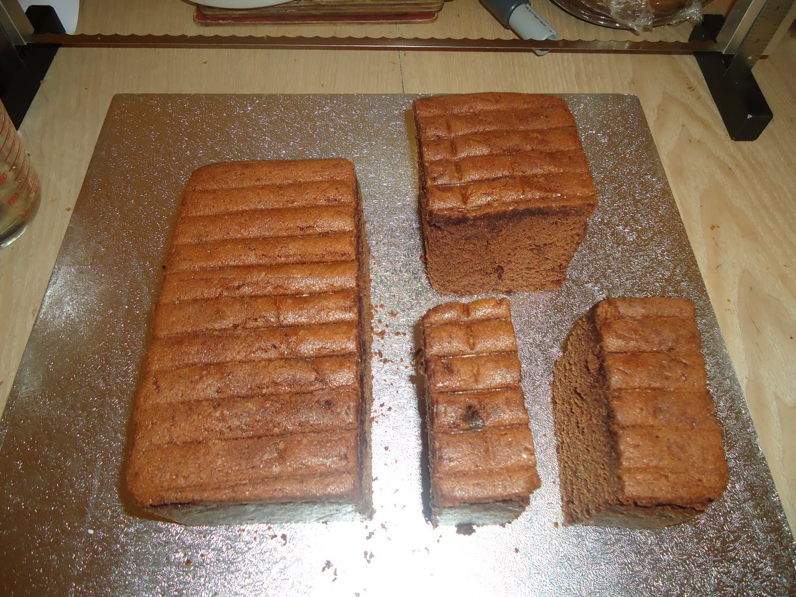 Cricket Bat Cake Images : The Lavender Cakes: How to make a Cricket Bat Cake....