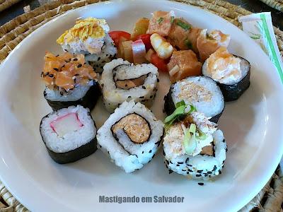 Creperia Mariposa: Prato com as opções do Buffet Japonês