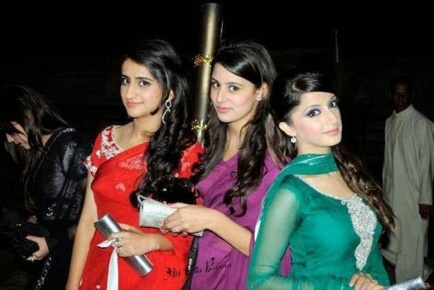 Beautiful+Pakistani+Girls+Wallpapers011