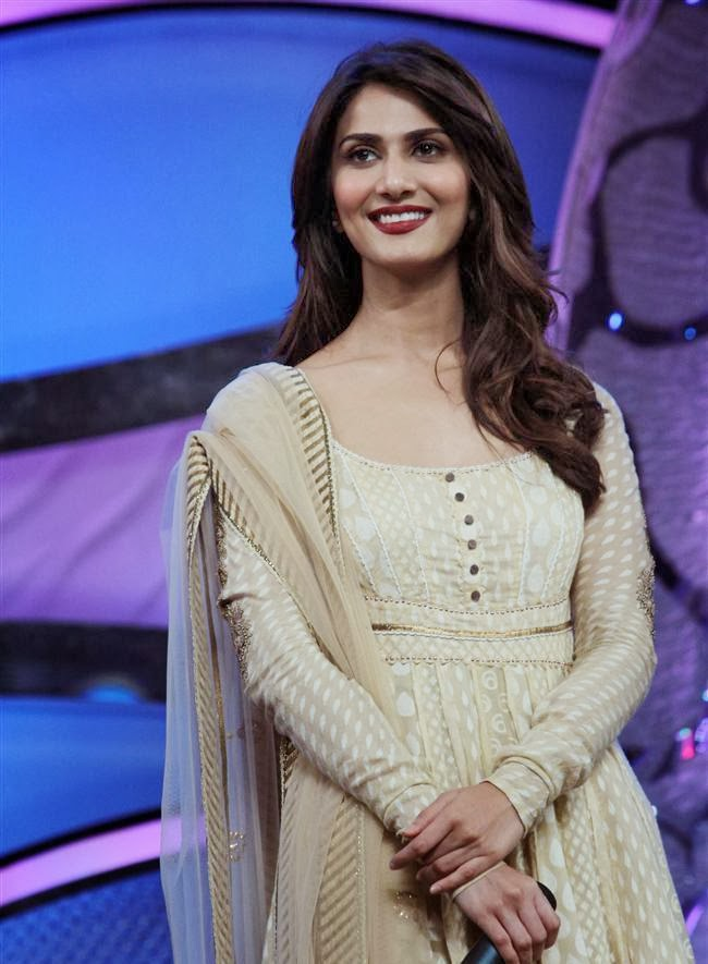 Vaani Kapoor nude hd modelling unseen private rare pics