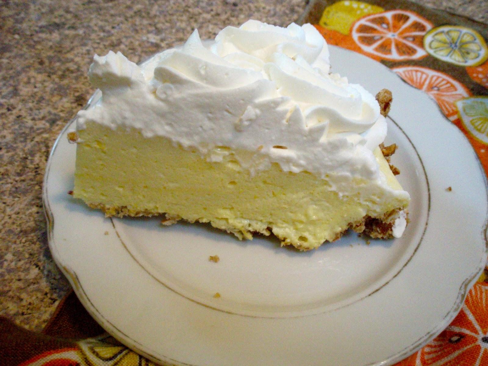 Lovinspoonfull: Lemon Chiffon Pie with Pretzel Crust