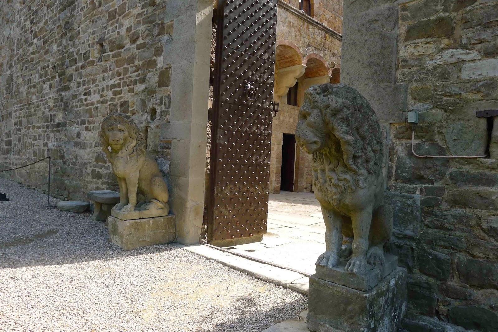 Castello di Vincigliata - Lions