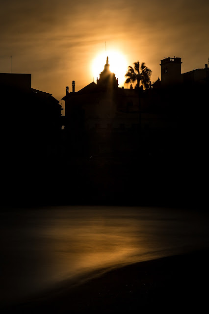 Sunset Sitges :: Canon EOS5D MkIII | ISO100 | Canon 24-105@75mm | f/16 | 30s