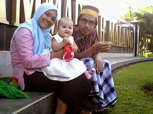 keluarga kecilku yang bahagia