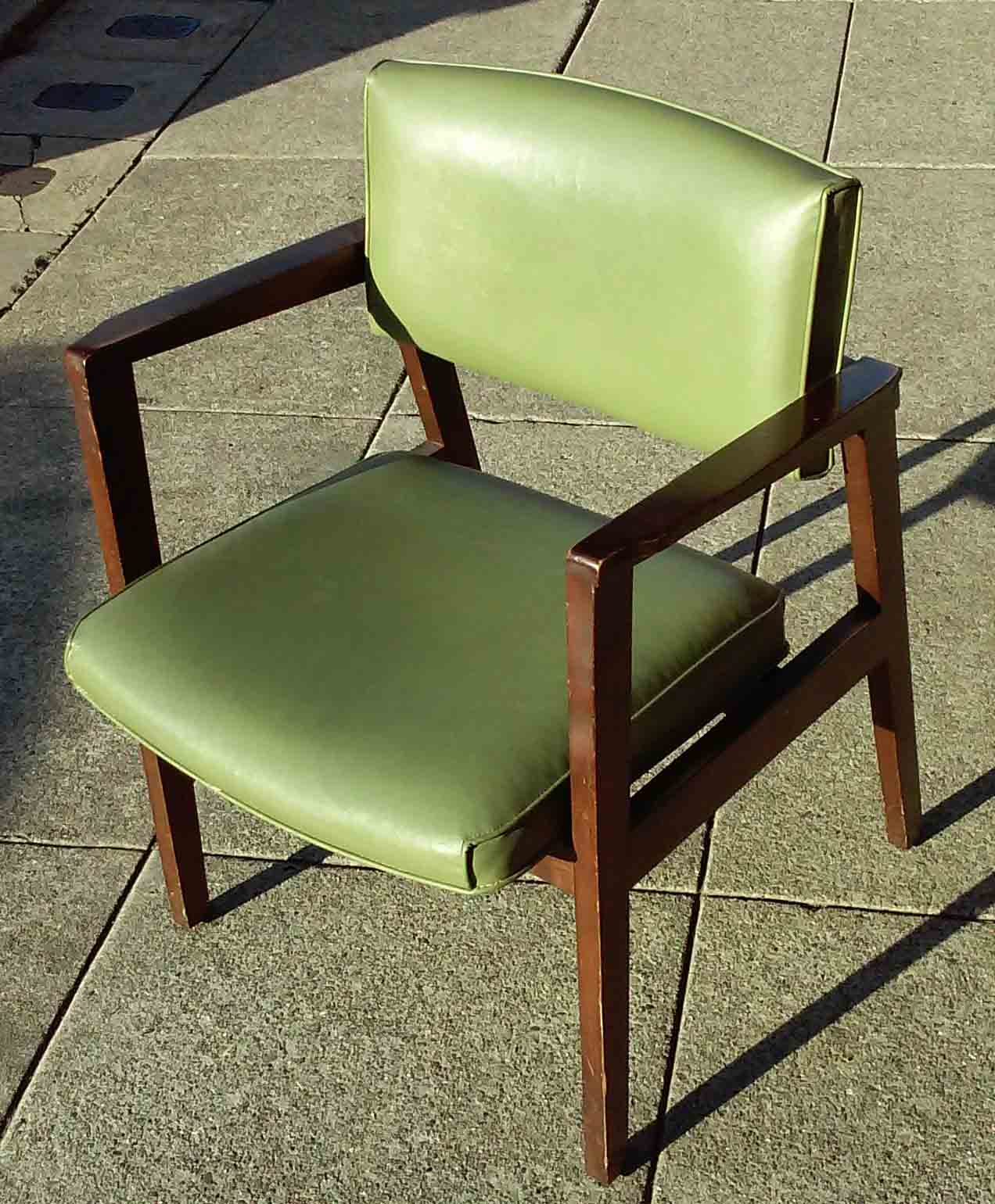 Uhuru furniture collectibles sold reduced mid for Reduced furniture