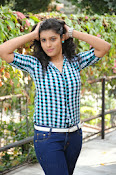 Liza reddy glam pix in jeans-thumbnail-18