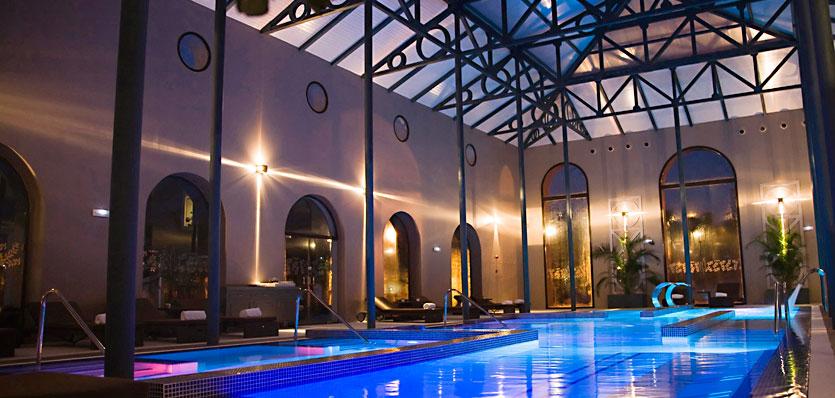 Hoteles para ni os benidorm alicante hotel meli for Piscina climatizada benidorm