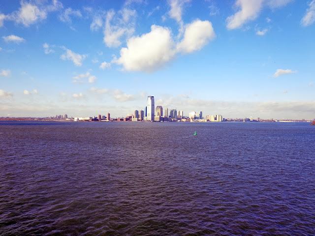 Manhattan von der Staten Island Ferry aus betrachtet