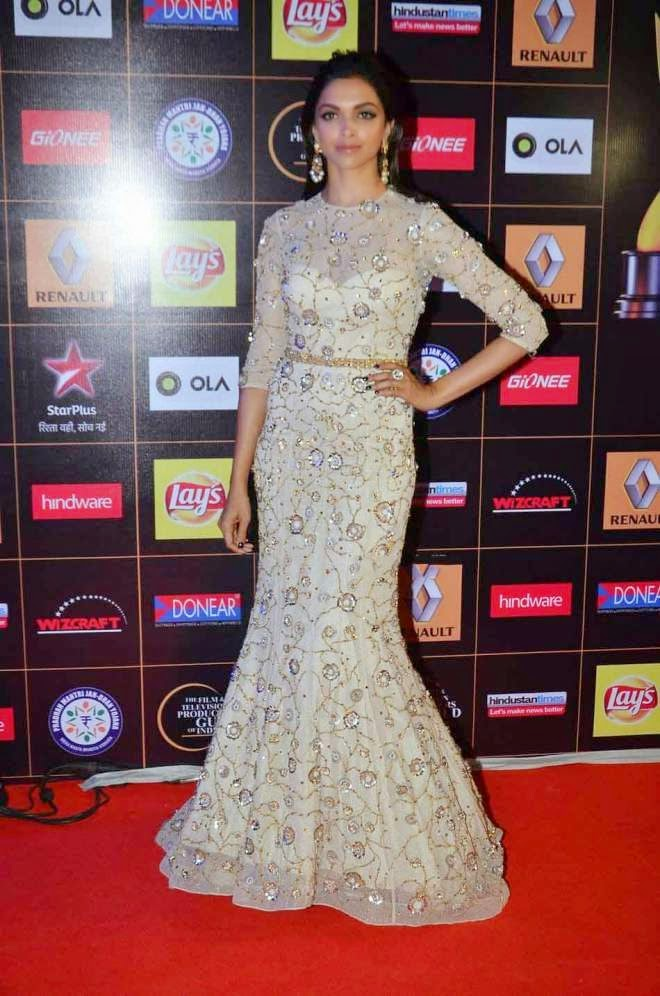 Deepika Padukone Sexy Long Prom Dresses Photos